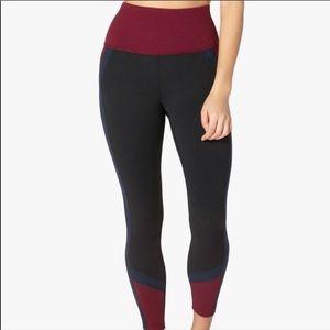 Beyond Yoga Navy Maroon Colorblock Leggings Sz M